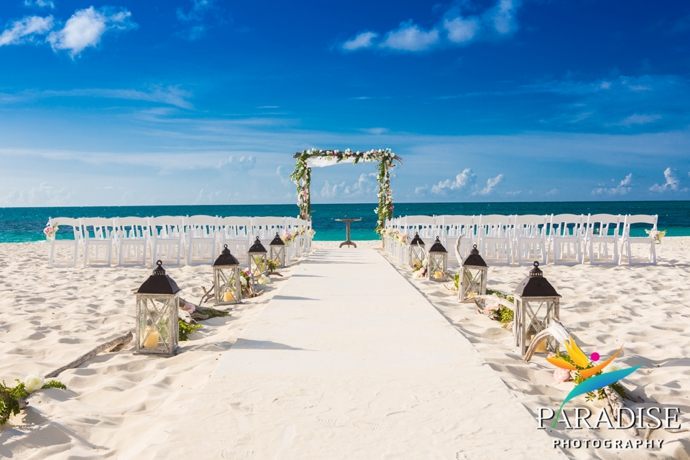 A magical wedding at the gansevoort tropical destination management wedding at the gansevoort in turks caicos by tropical dmc junglespirit Choice Image