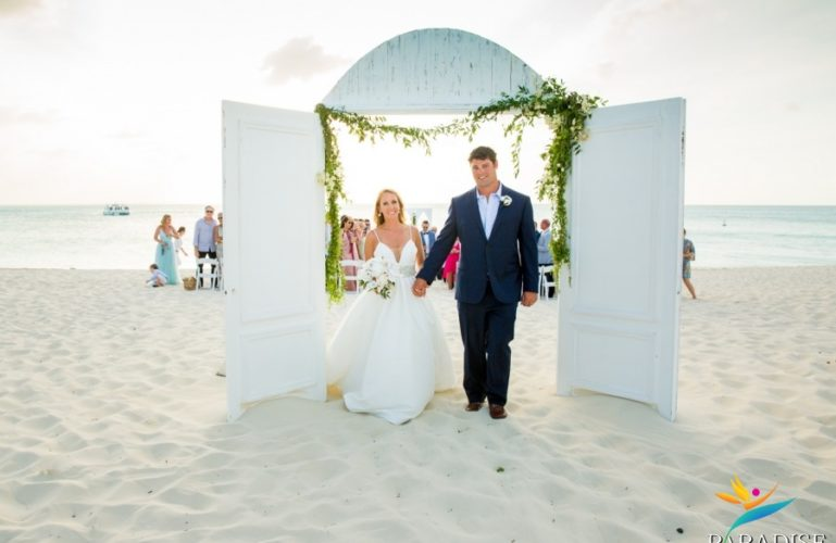Hannah & Ryan's Ocean Club Wedding | Turks & Caicos